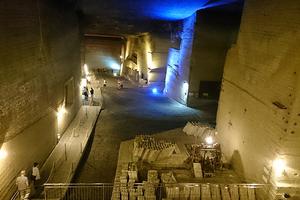 〈2017.6.23〉地下30mに広がる神秘的な空間「大谷資料館」