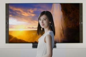 """〈2017.6.7〉北川景子が世界の絶景と""""美""""の競演"""